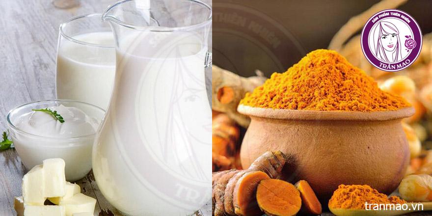 Bột nghệ và sữa tươi